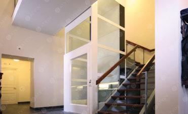 Thiết kế thang máy trong những căn nhà ống nhỏ hẹp